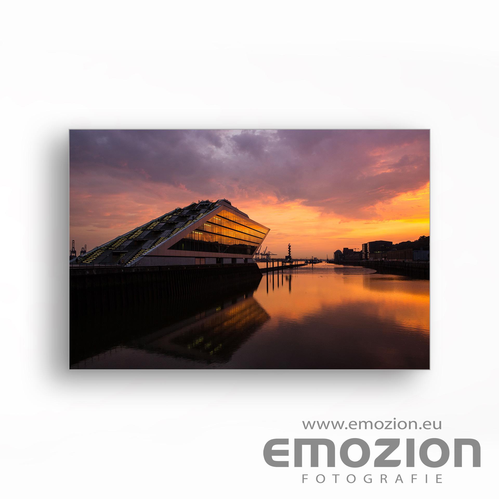 DocklandHamburg mit Hafen -Romantischer Sonnenuntergang - EMOZION - Fotograf Sascha Block