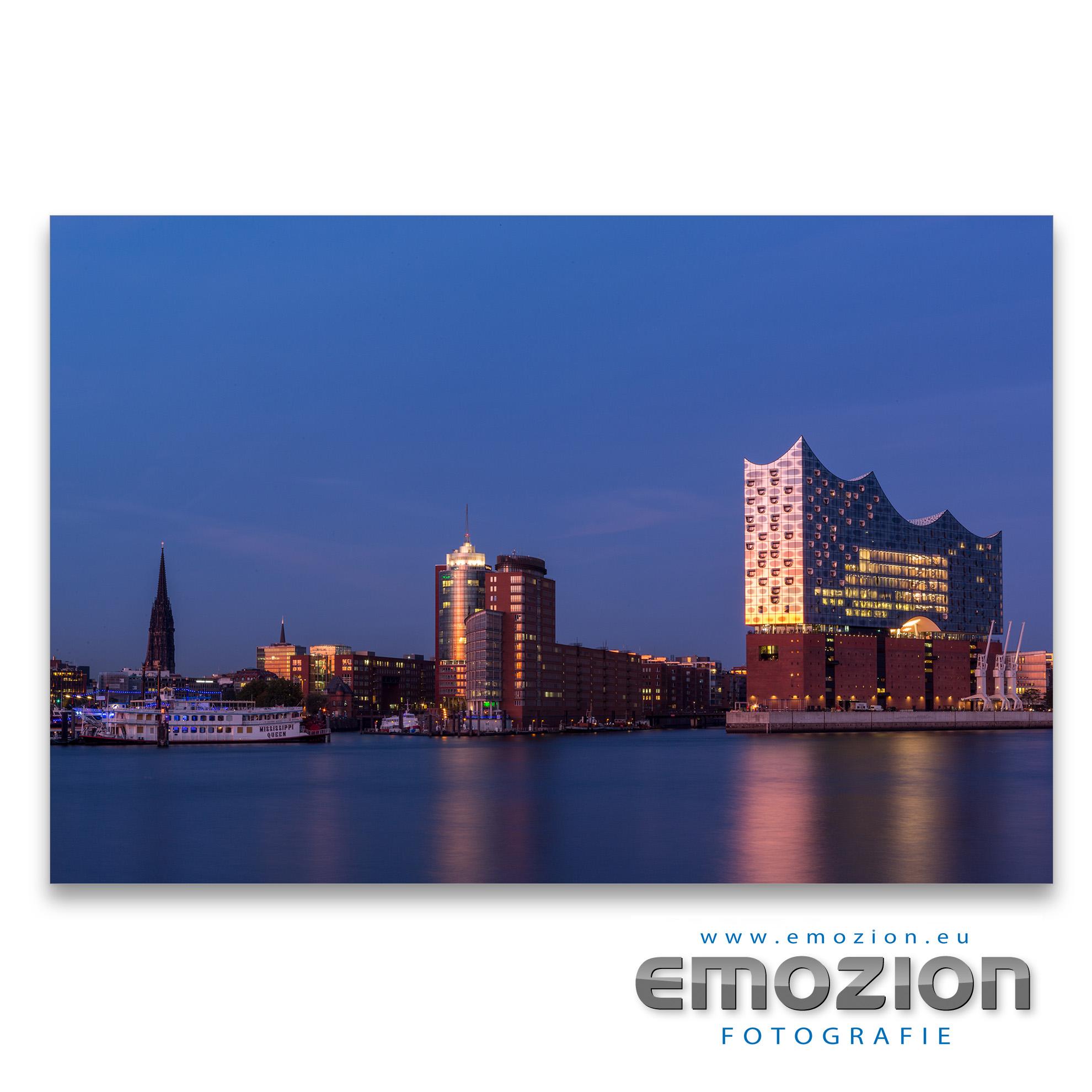 Elbphilharmonie Hamburg mit Hafen - EMOZION - Fotograf Sascha Block